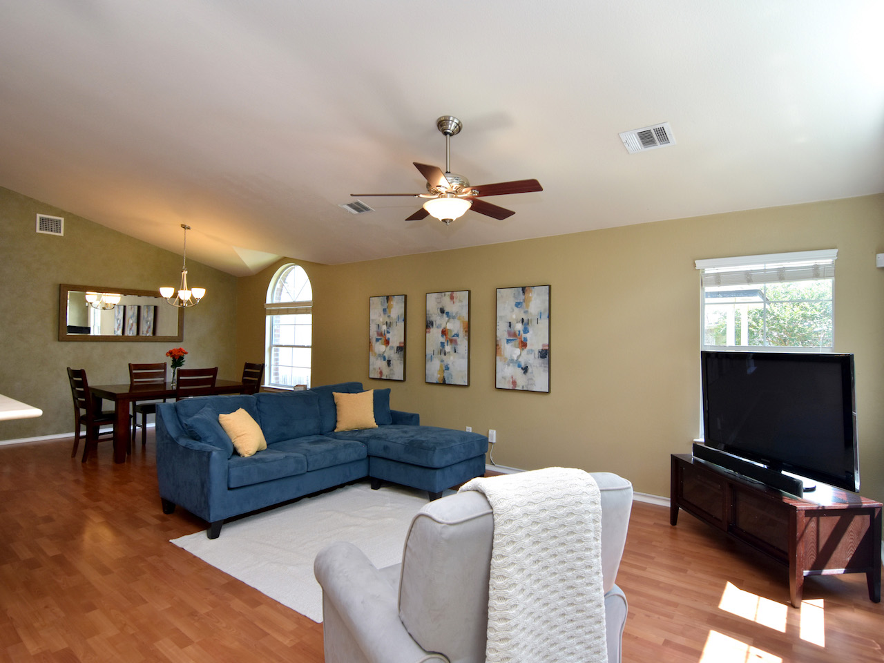 007_Living Room 2