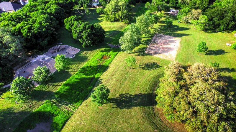 Dron Shot of Silk Oak Park